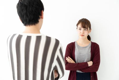 対立 男女