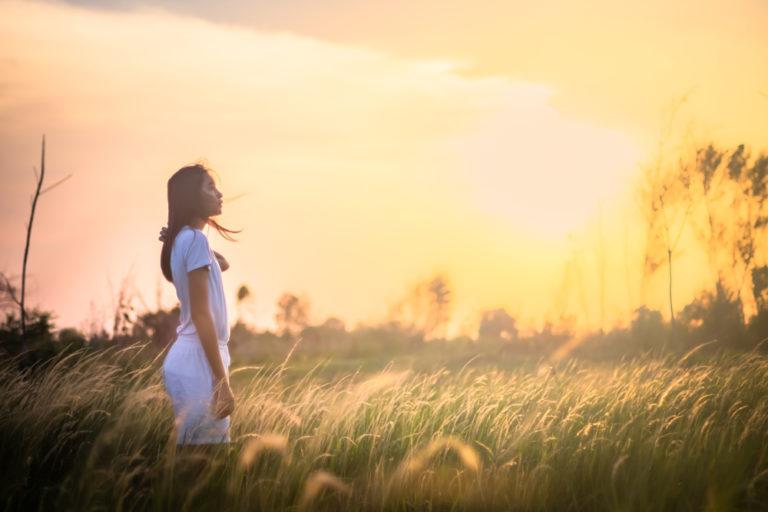 草原 女性