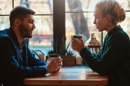 カフェ 話す
