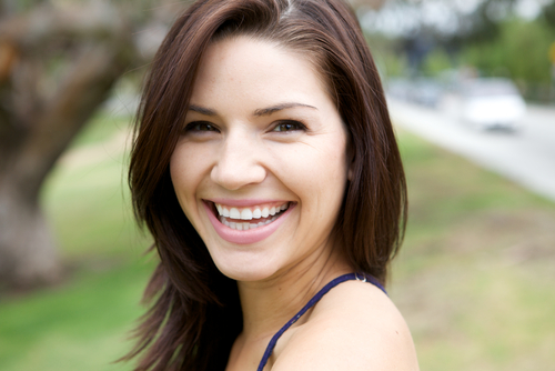 微笑む 女性