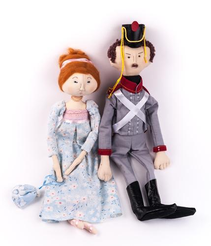2体の布人形