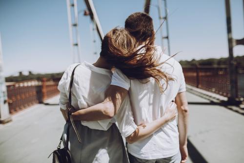 橋の上 恋人