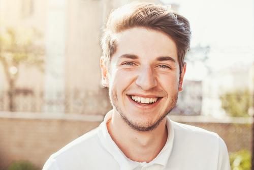 笑顔 男性