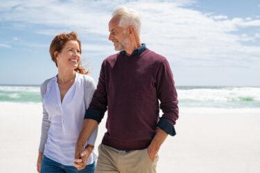 年の差婚の現実と後悔!10〜20歳離れた夫婦が抱える悩みや問題と離婚率&男性・女性で異なる後悔の理由